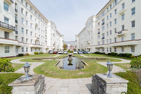 3 bedroom flat to rent - Bath Hill Court, Parsonage Road, Bournemouth