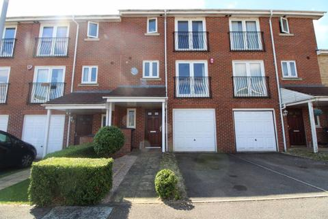 5 bedroom house to rent - Primrose Close - Ref: P9867 Available Mid June
