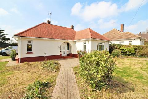 2 bedroom detached bungalow for sale - Upper Third Avenue, Frinton-On-Sea