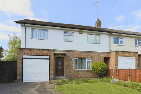 3 bedroom semi-detached house for sale - Elmswood Gardens, Sherwood, Nottinghamshire, NG5 4AW