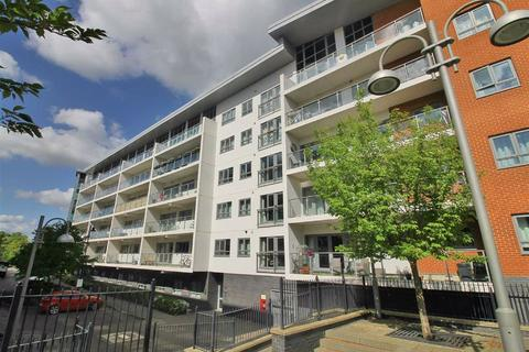 2 bedroom flat to rent - Hamilton House, Wolverton Park Road, Milton Keynes, MK12