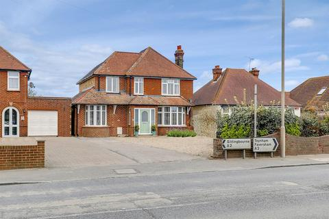 5 bedroom detached house for sale - The Street, Bapchild
