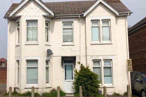 3 bedroom house to rent - THREE DOUBLE BEDROOMS, WINTON