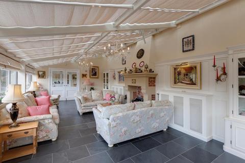 5 bedroom detached house for sale - Honeypot Cottage, Burre Close, Bakewell