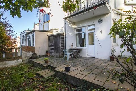 2 bedroom apartment for sale - Bonchurch Road