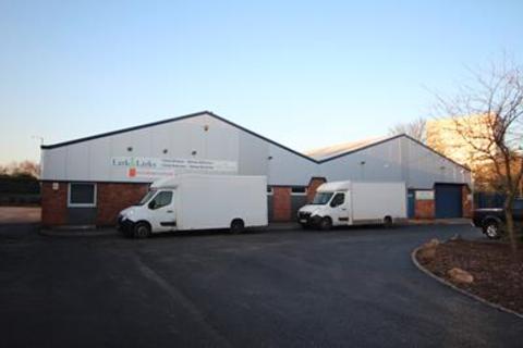 Industrial unit to rent - Unit 2, Griffin Business Park, Walmer Way, Birmingham, West Midlands