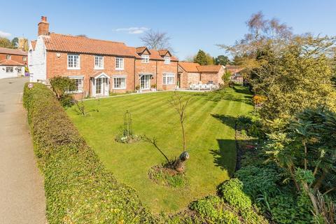 3 bedroom cottage for sale - Front Street, Tealby