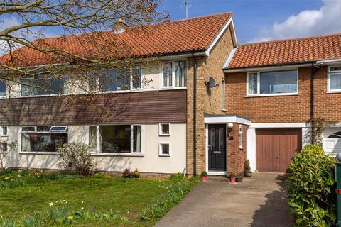 4 bedroom semi-detached house for sale - Bramley Garth, York, YO31