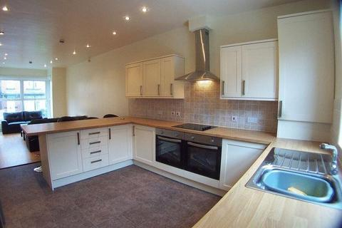 6 bedroom terraced house to rent - Lucas Place, Leeds, West Yorkshire, LS6