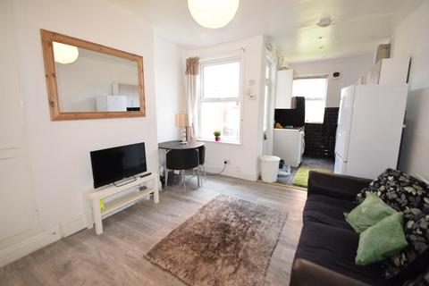 3 bedroom terraced house to rent - STUDENT PROPERTY - Pomona Street, Sheffield S11