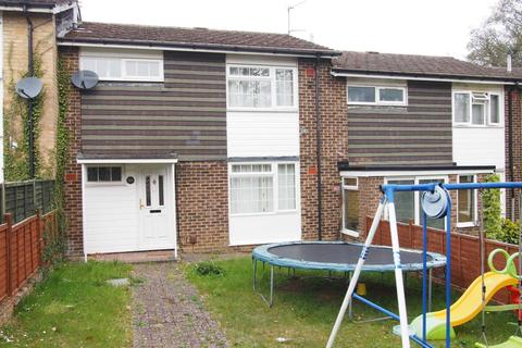 3 bedroom semi-detached house to rent - Hitchercroft Road, High Wycombe