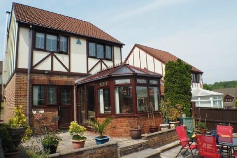 3 bedroom detached house to rent - Gelli Aur, Treboeth, Swansea, SA5 9DF