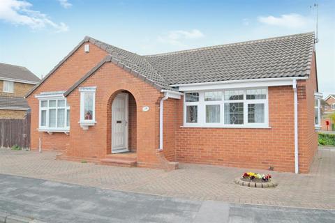 3 bedroom detached bungalow for sale - Chelkar Way, York, YO30 5ZH