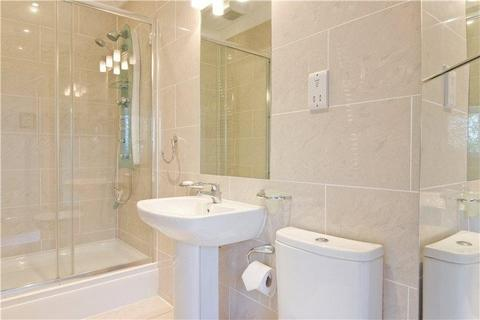 3 bedroom flat to rent - Maycroft House, Park Avenue, Liverpool, Merseyside, L18