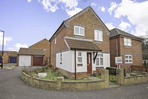 3 bedroom semi-detached house to rent - Shotters Burgess Hill RH15