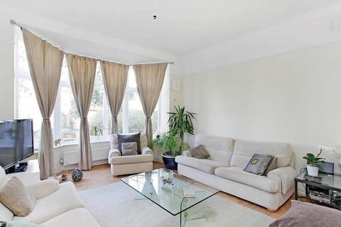 1 bedroom apartment to rent - The Avenue, Worcester Park, KT4