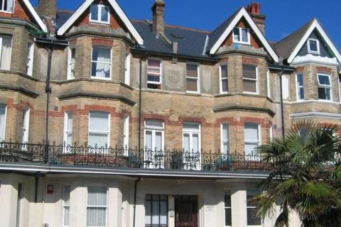 Studio to rent - West Hill Road, Bournemouth