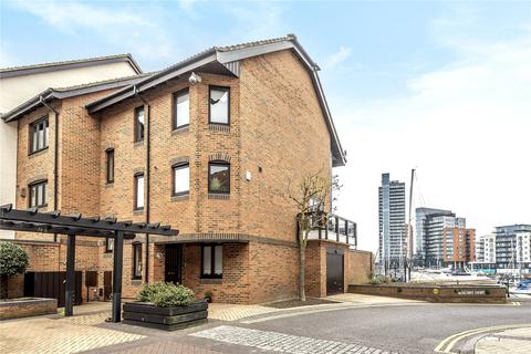 4 bedroom end of terrace house for sale - Calshot Court, Channel Way, Ocean Village, SO14