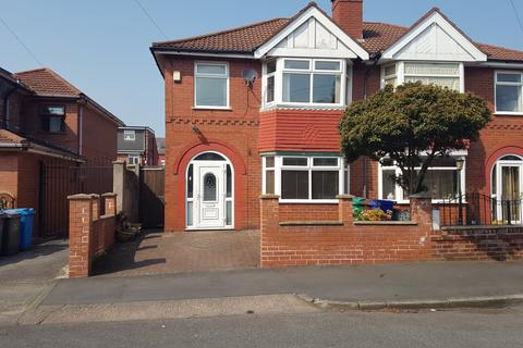 4 bedroom semi-detached house to rent -  Farrer Road,  Manchester, M13