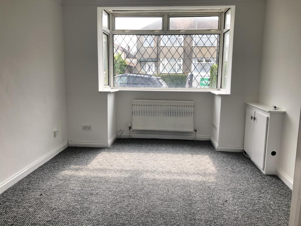 Fully refurbished outstanding large three bedroom