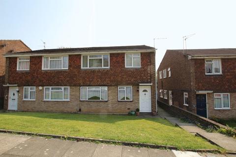 2 bedroom property to rent - Lea Vale, Crayford