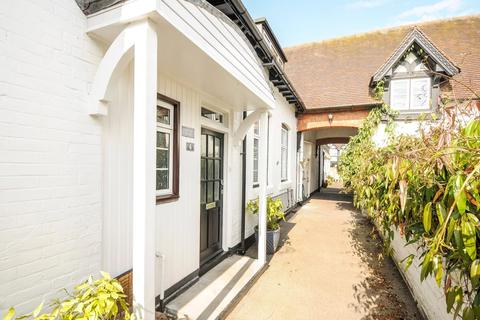 3 bedroom house to rent - The Willows, Windsor, Berkshire, SL4