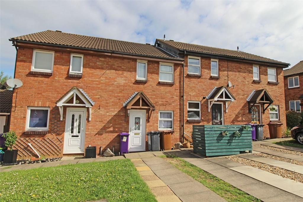 2 Bedrooms Terraced House for sale in Sanderling Close, Letchworth Garden City, Hertfordshire