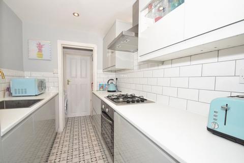 2 bedroom terraced house for sale - The Drive, Thornton Heath