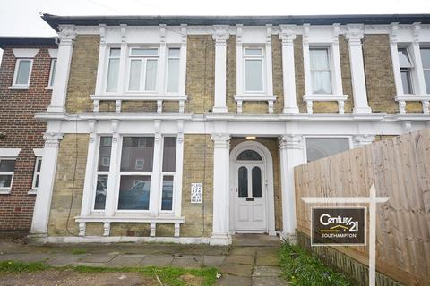 Studio to rent - |RefL S9|, Radstock Road, Southampton, SO19 2HP