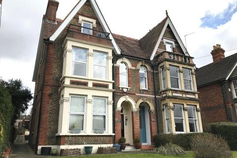 2 bedroom apartment to rent - London Road, High Wycombe