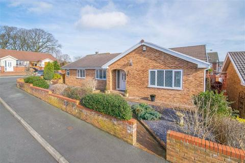 3 bedroom detached bungalow for sale - Dawn Close, Buckley