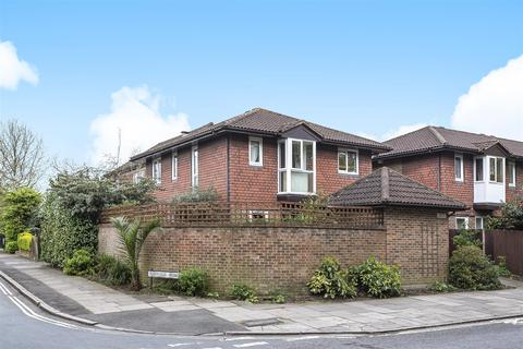 2 bedroom house for sale - Coniston Close, London