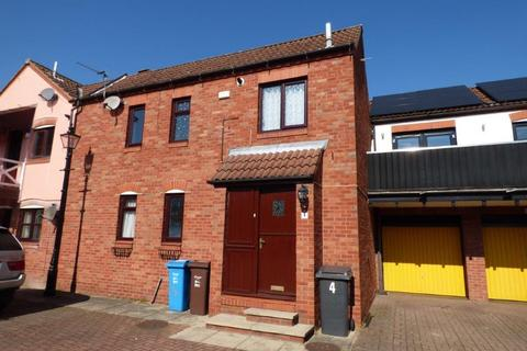 2 bedroom end of terrace house for sale - Marine Wharf, Hull