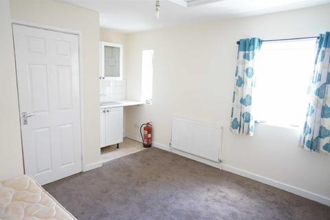 Studio to rent - Christchurch Rd, Boscombe, Bournemouth