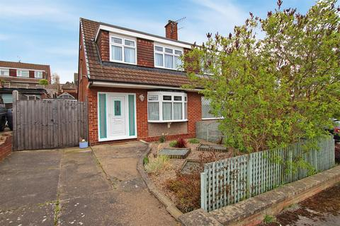 3 bedroom semi-detached house for sale - Connelly Close, Arnold, Nottingham