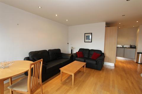 2 bedroom flat to rent - Beringa, City Island