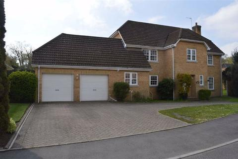 4 bedroom detached house for sale - Portmore Close, Broadstone, Dorset
