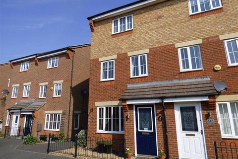 3 bedroom townhouse for sale - Timken Way, DAVENTRY