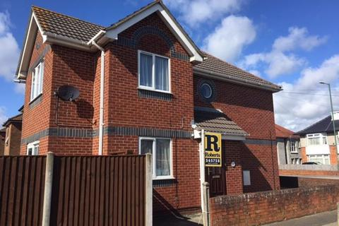 2 bedroom flat to rent - RICHMOND PARK ROAD, CHARMINSTER