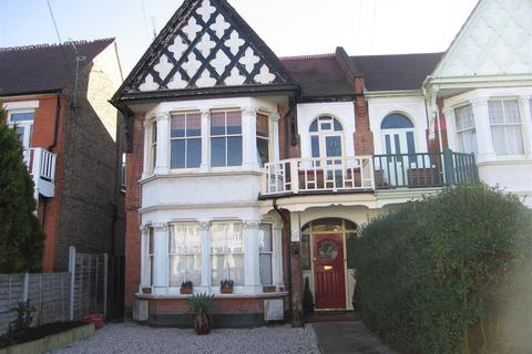 3 bedroom flat to rent - Grosvenor Road, Westcliff-On-Sea