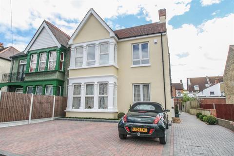 2 bedroom flat for sale - Grosvenor Road, Westcliff-on-Sea