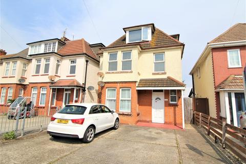 2 bedroom flat for sale - West Avenue, Clacton-On-Sea