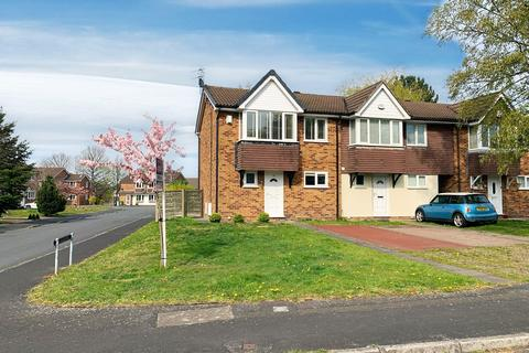 3 bedroom end of terrace house for sale - Larchwood Drive, Wilmslow, SK9