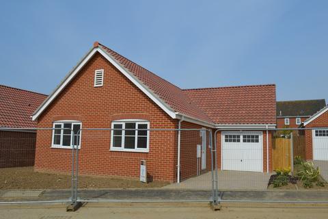 3 bedroom detached bungalow for sale - Barn Owl Close, Reedham
