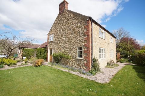 3 bedroom cottage for sale - Rasen Road, Tealby, Market Rasen