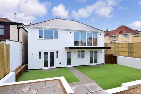 4 bedroom detached house for sale - The Broadway, Herne Bay, Kent