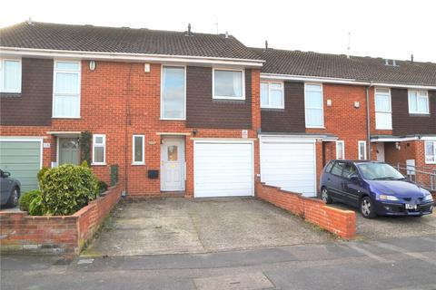 3 bedroom terraced house to rent - Windrush Way, Reading, Berkshire, RG30