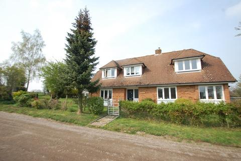 4 bedroom detached house to rent - New Road, Little Chalfont, Chalfont St Giles, HP8
