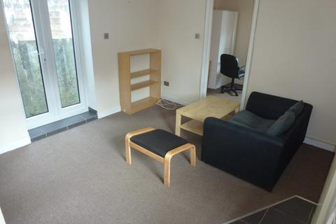 1 bedroom flat to rent - Daniel Street Flat 3