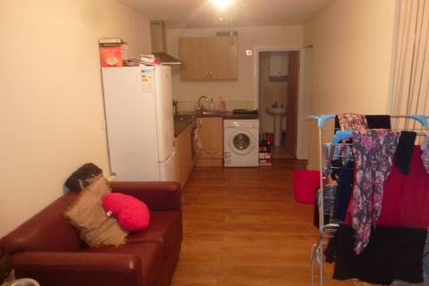 2 bedroom ground floor flat to rent - Pearson Street F1, Cardiff, CF24